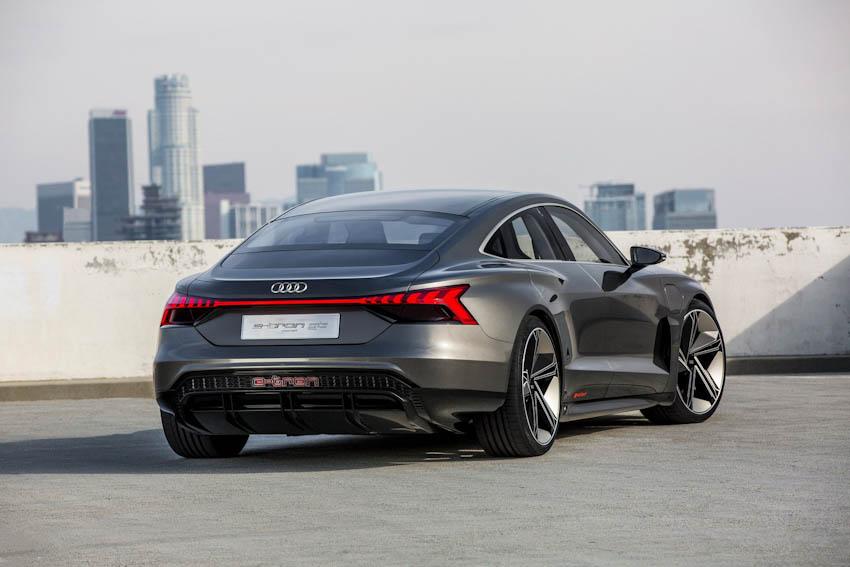 Audi e-tron GT 23
