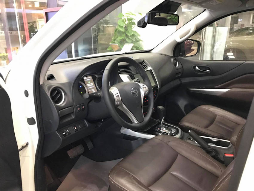 SUV 7 chỗ Nissan Terra 4