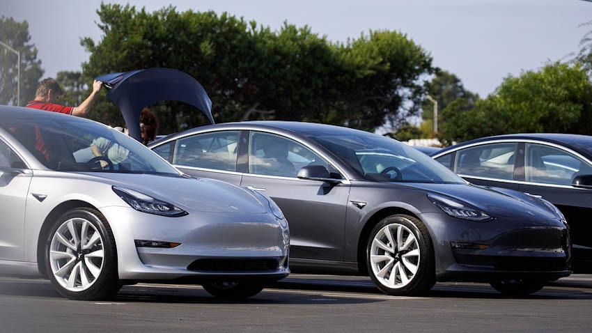 Xe Tesla