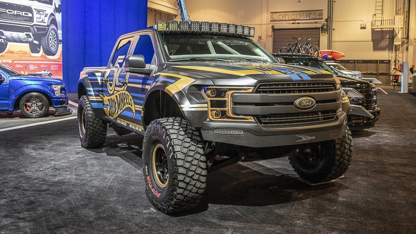 Ford F-Series Customs 3