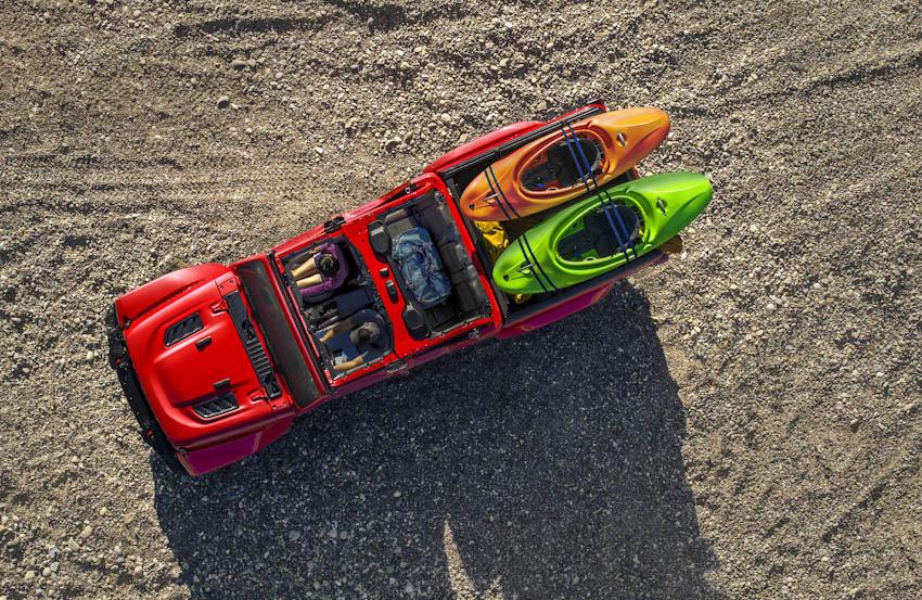 xe bán tải mui trần Gladiator 2020