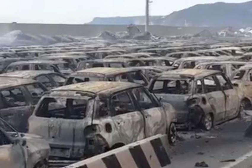 Hàng trăm xe Maserati cháy trơ khung tại Italy 1