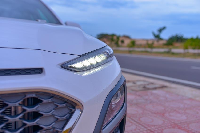 Đèn xe Hyundai Kona 1