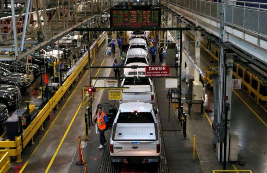 Ford cắt giảm ca sản xuất tại Mỹ