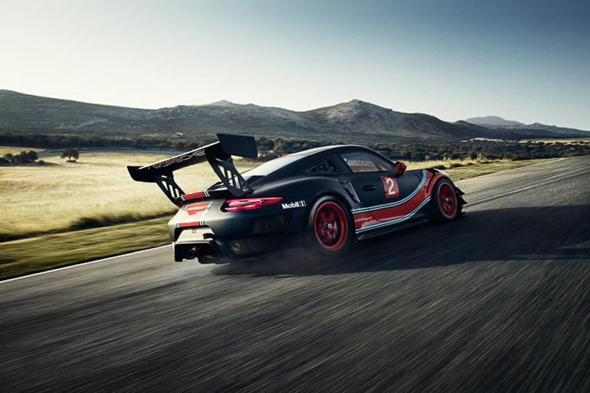 Porsche 911 GT2 RS Clubsport phiên bản đường đua 7
