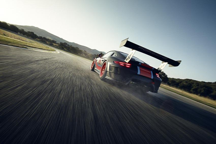 Porsche 911 GT2 RS Clubsport phiên bản đường đua 8