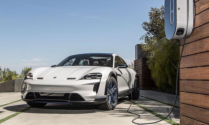 Porsche tiến hành thử nghiệm các mẫu xe mới bằng công nghệ thực tế ảo 1