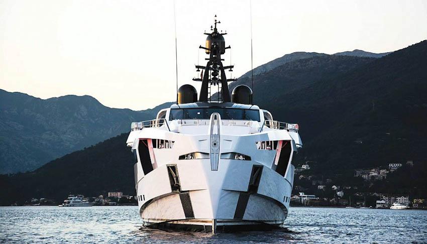 siêu du thuyền Rossinavi Aurora 1