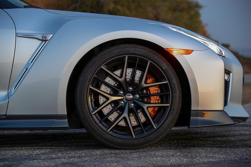 Nissan GT-R 2019 2