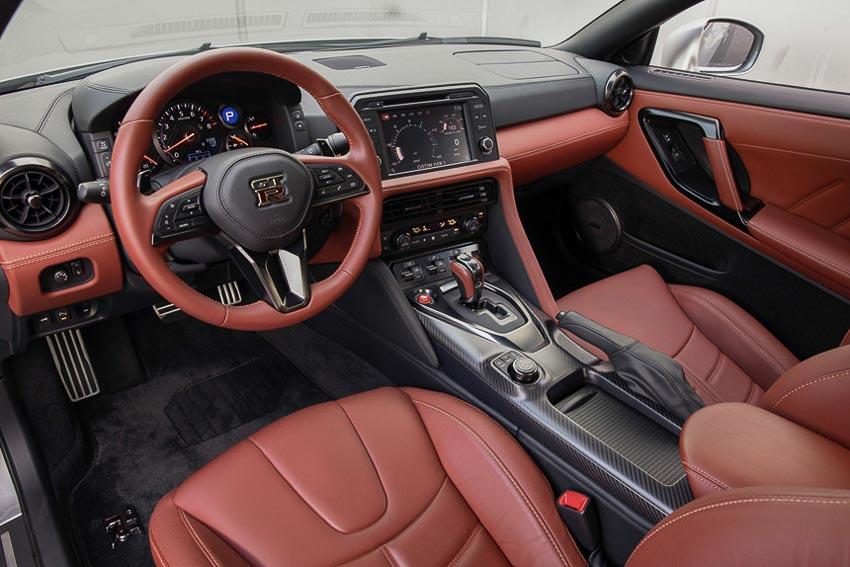 Nissan GT-R 2019 3