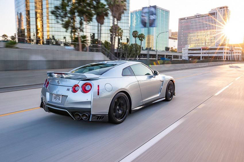 Nissan GT-R 2019 5