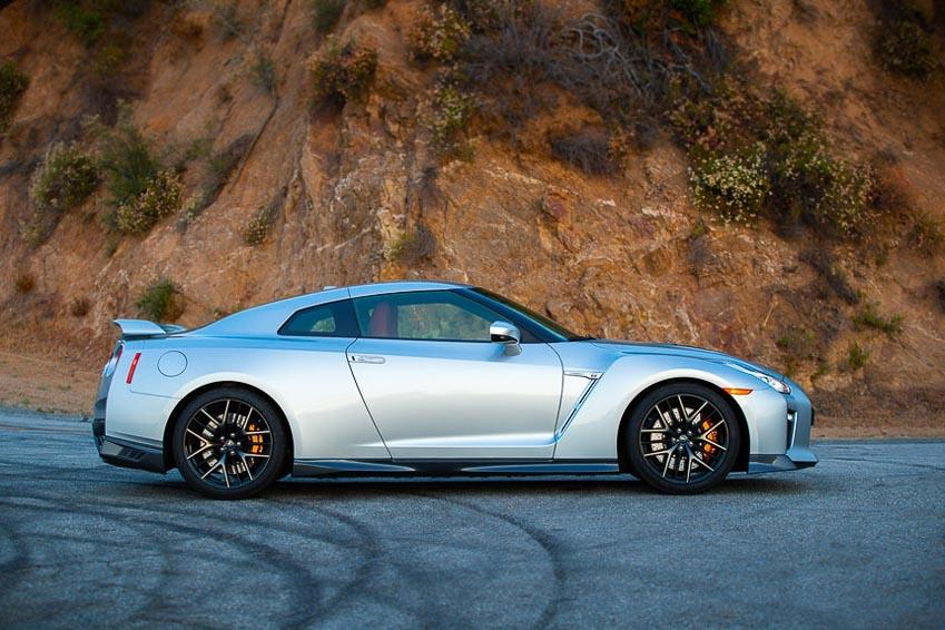 Nissan GT-R 2019 9