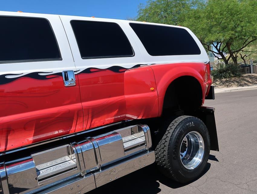 SUV hàng hiếm Ford F-650 3