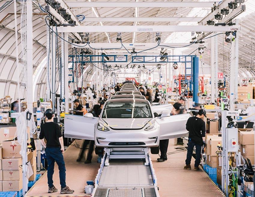 Tesla chịu lỗ khi sản xuất Model 3 khi bán ra với giá 35.000 USD 2