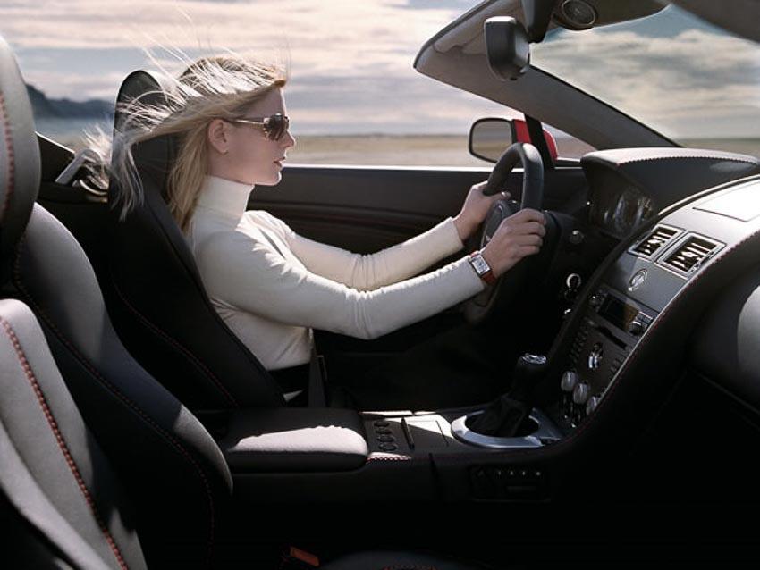 tính năng trên xe hơi