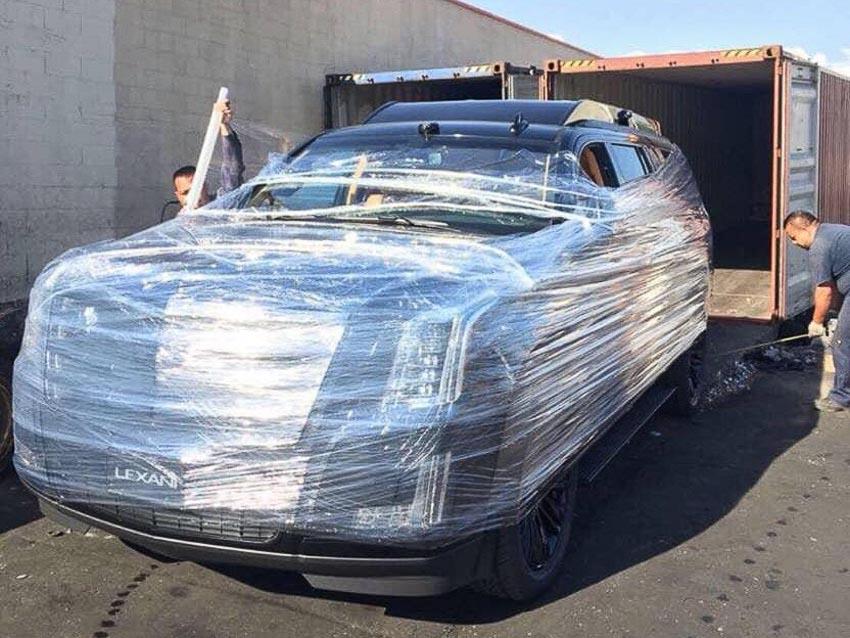 Cadillac Escalade bản độ Lexani 2