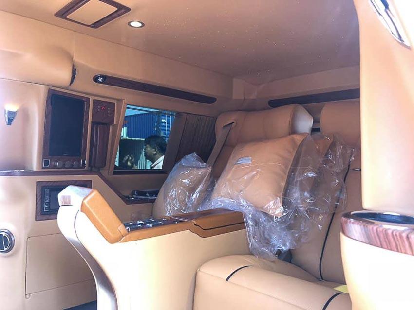 Cadillac Escalade bản độ Lexani 7