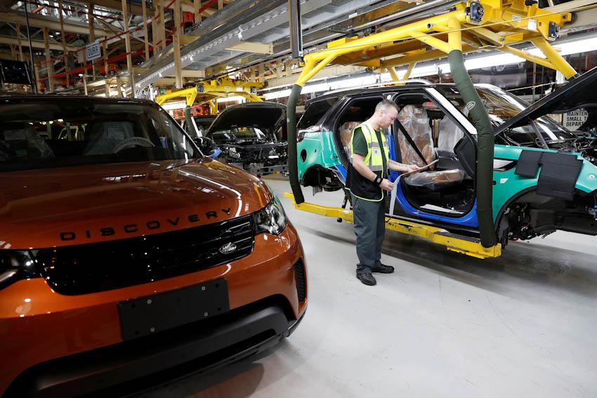 Ford và Jaguar Land Rover tái cơ cấu 2