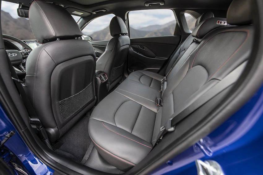Hyundai Elantra GT N Line 11