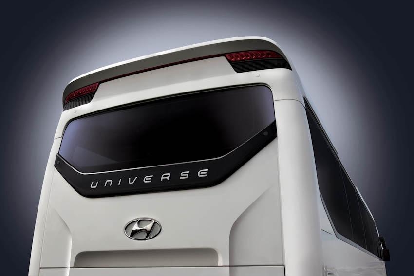 Hyundai Universe 7