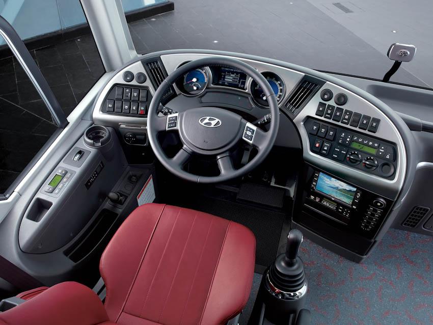 Hyundai Universe 8