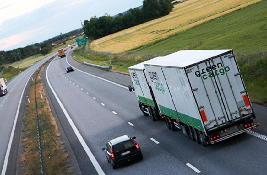 Kinh nghiệm lái xe gần xe công-ten-nơ, xe tải cỡ lớn 3