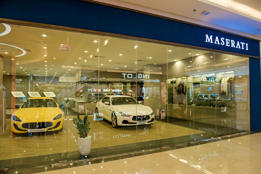 khu trưng bày Maserati tại Vincom Metropolis