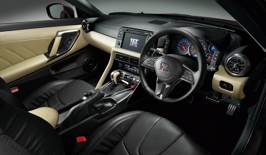 Nissan GT-R 6