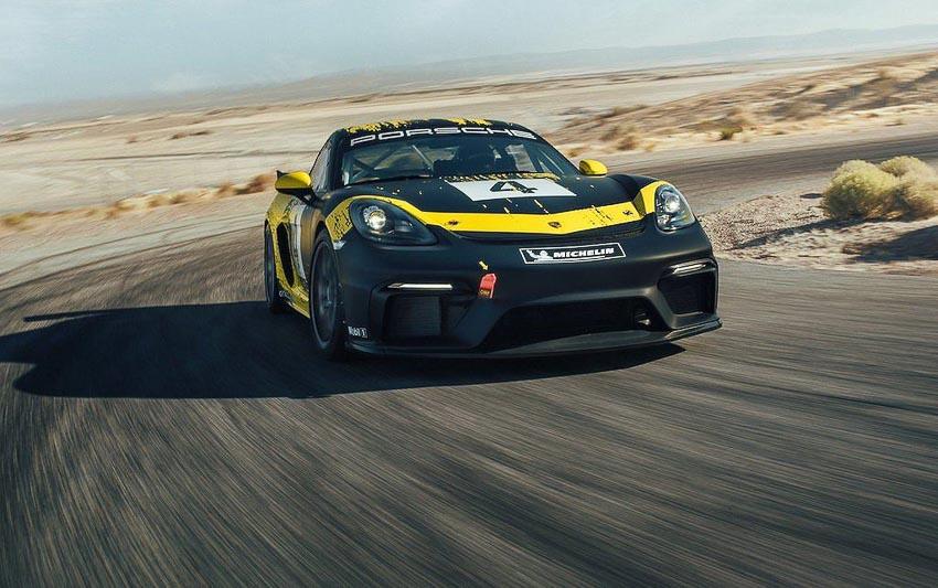 Porsche 718 Cayman GT4 Clubsport 12