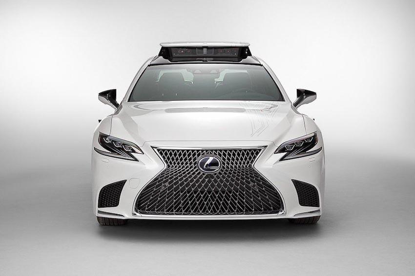 Toyota thử nghiệm tài xế ảo tự lái trên xế sang Lexus LS 500h 10