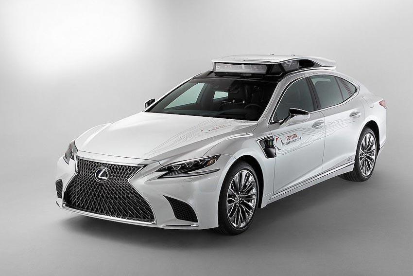 Toyota thử nghiệm tài xế ảo tự lái trên xế sang Lexus LS 500h 11