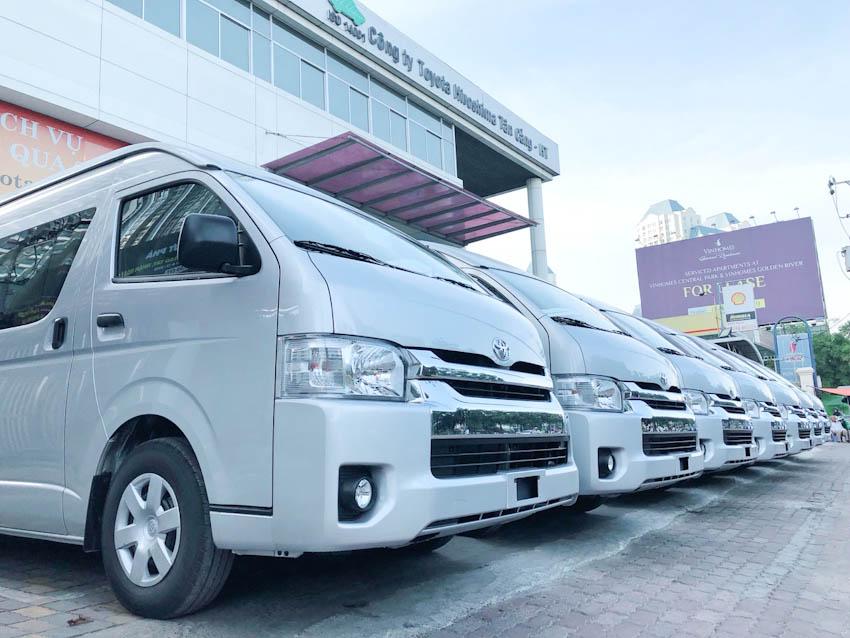 Toyota bàn giao gần 200 xe Hiace cho Phương Trang
