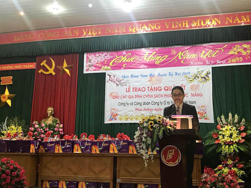 Toyota Việt Nam trao tặng quà tết 2