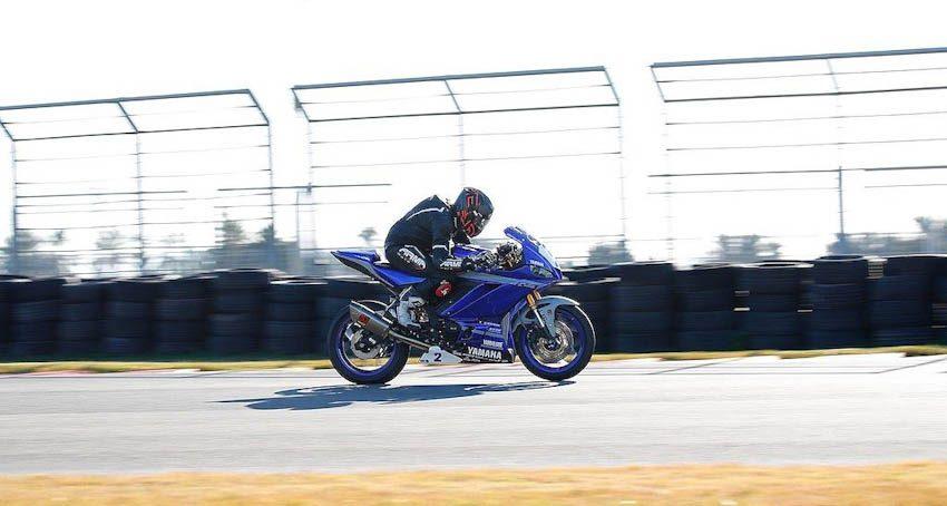 Yamaha R3 2019 4
