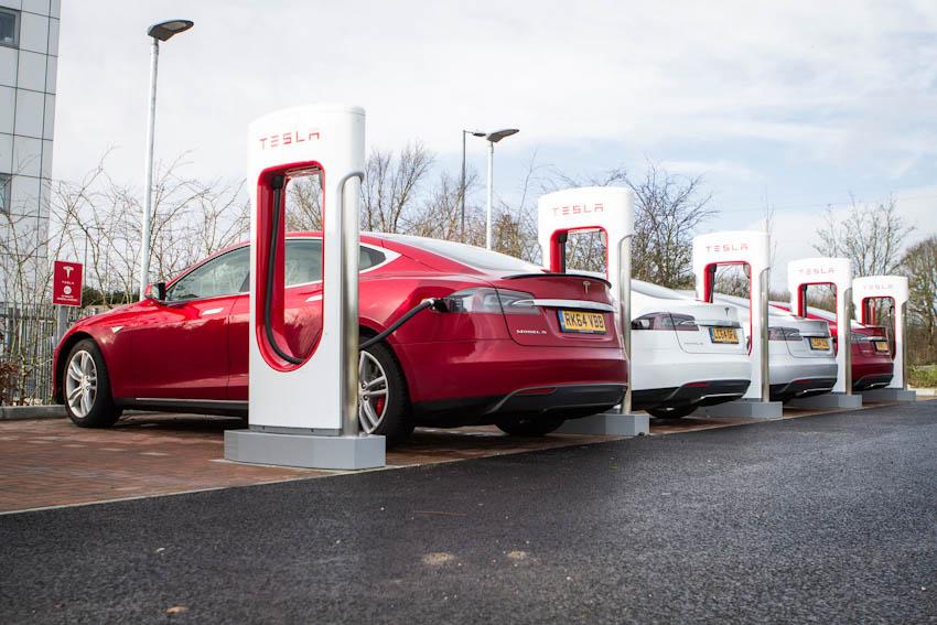 Thách thức lớn ngành xe điện