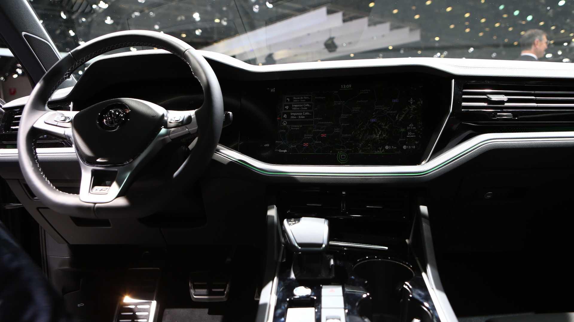 VolkswagenTouareg V8 TDI mới, máy dầu V8 có mô-men xoắn lên tới 900Nm - 05