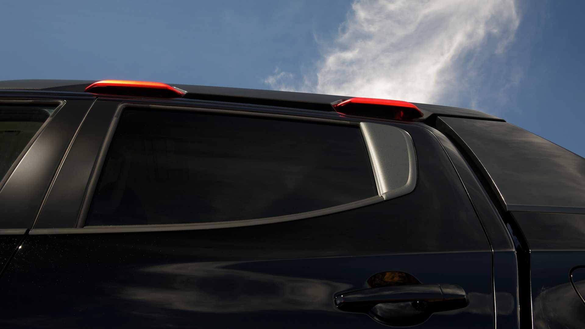 Mitsubishi Triton Absolute cạnh tranh với đối thủ Ford Ranger Raptor - 11
