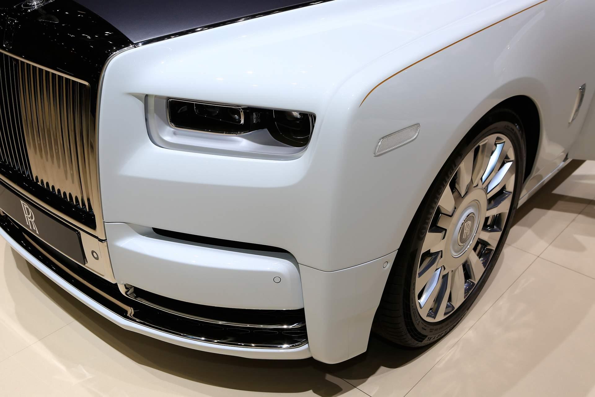 Rolls-Royce Phantom Tranquility lấy cảm hứng từ vũ trụ với nội thất đá thiên thạch - Photo 15