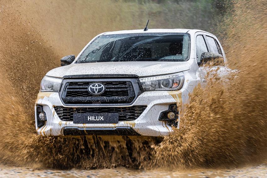 Toyota ra mắt Hilux phiên bản đặc biệt - 1