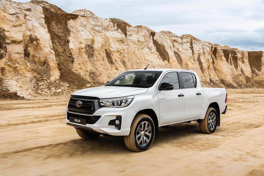 Toyota ra mắt Hilux phiên bản đặc biệt - 13