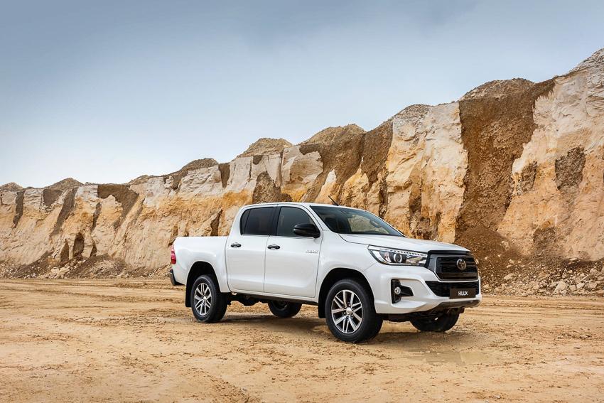 Toyota ra mắt Hilux phiên bản đặc biệt - 14
