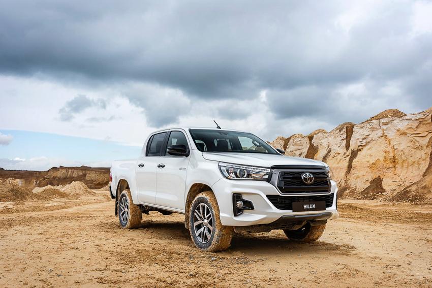 Toyota ra mắt Hilux phiên bản đặc biệt - 18