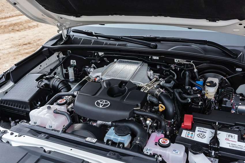 Toyota ra mắt Hilux phiên bản đặc biệt - 27