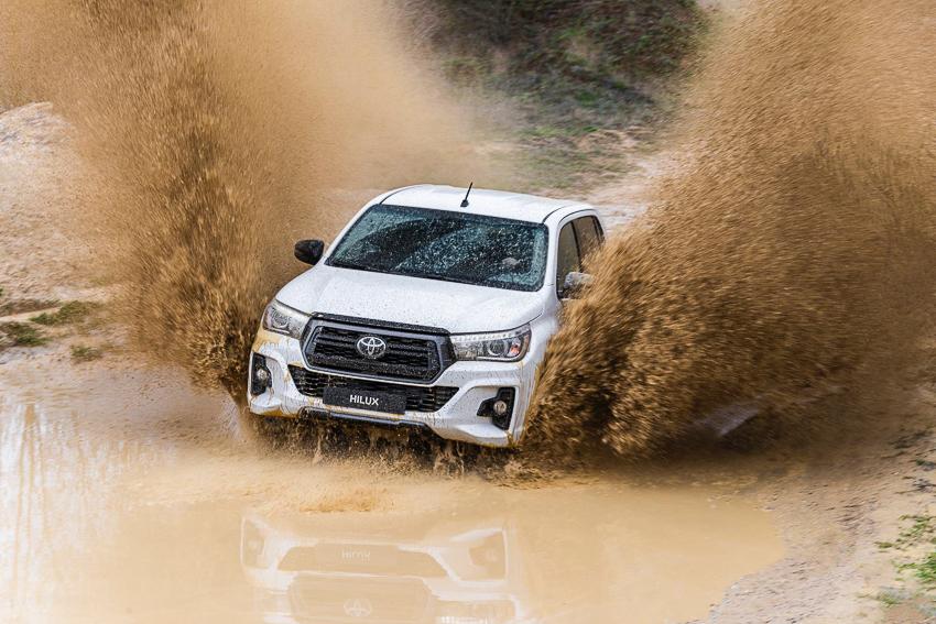 Toyota ra mắt Hilux phiên bản đặc biệt - 3