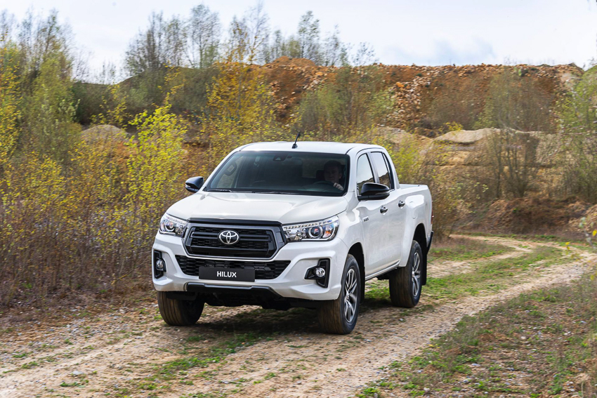 Toyota ra mắt Hilux phiên bản đặc biệt - 6