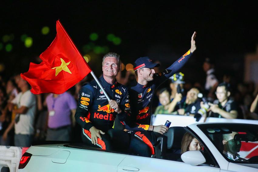 khởi Động Formula 1 Vietnam Grand Prix - 1