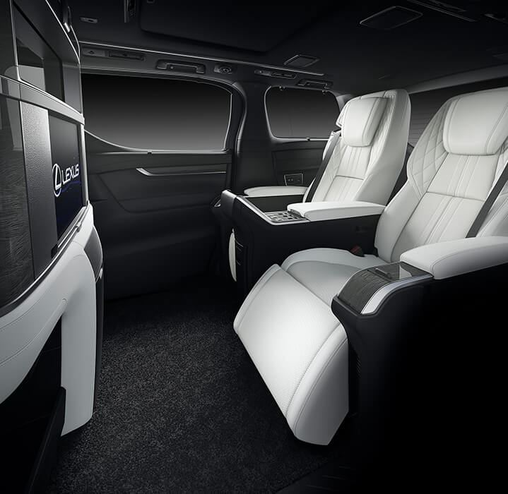 Lexus LM, phiên bản hạng sang của Toyota Alphard - 04