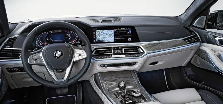 2020 Mercedes GLS Vs. 2019 BMW X7: Bạn đang ở bên nào? - 16