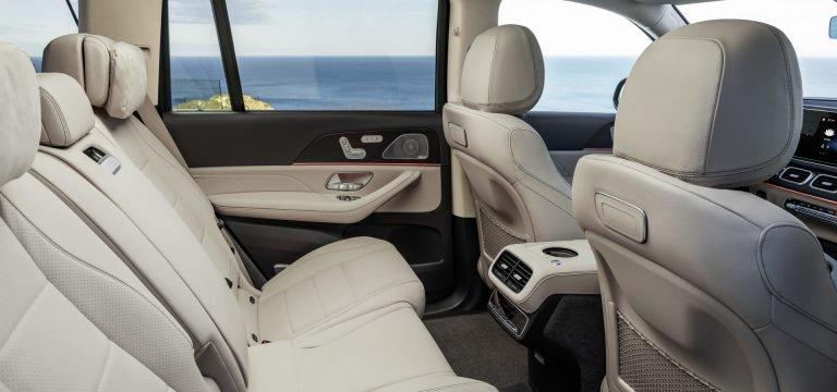2020 Mercedes GLS Vs. 2019 BMW X7: Bạn đang ở bên nào? - 17
