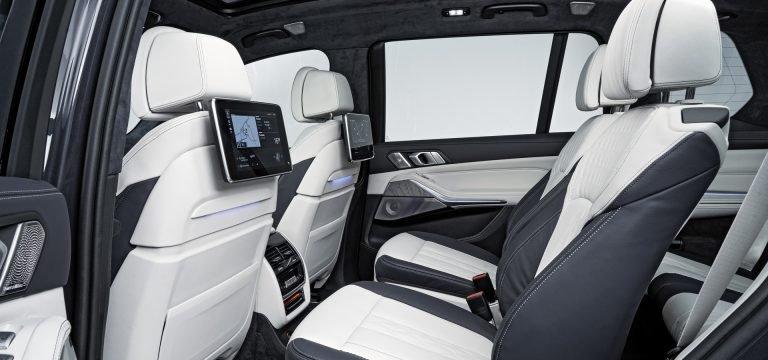2020 Mercedes GLS Vs. 2019 BMW X7: Bạn đang ở bên nào? - 18